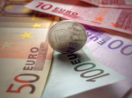 Эксперты озвучили прогнозы по  поводу курса евро на сентябрь 2018 года